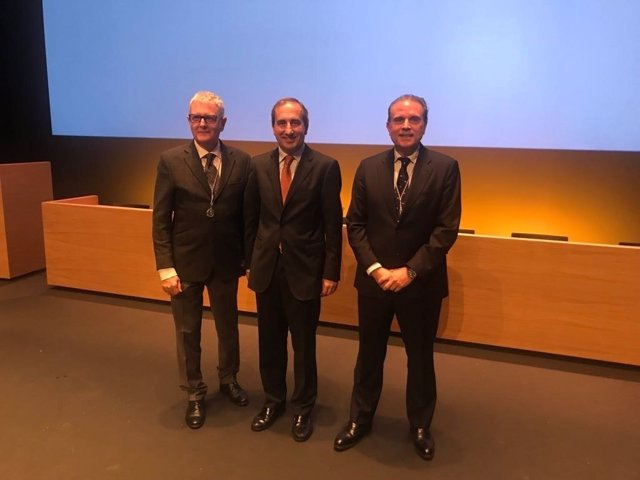 Valentín Vallhonrat, Alfonso Sánchez-Tabernero y Rafael Levenfeld.