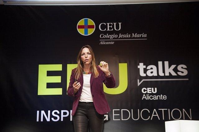 "Lucía Galán Bertrand, conocida mediáticamente como ""Lucía, mi pediatra"""