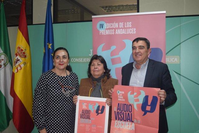 1 Nota Y 1 Foto Junta (Presentación El Audiovisual En La Escuela)