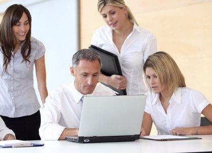 Las becas 'Santander-Crue-CEPYME Prácticas en Empresa' amplían el plazo de inscripción para estudiantes y pymes