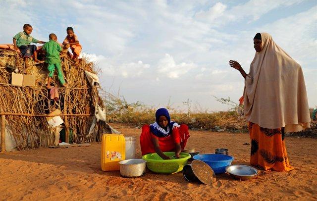 Somalíes desplazados por la sequía
