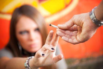 La presión social causante del consumo de cannabis en adolescentes