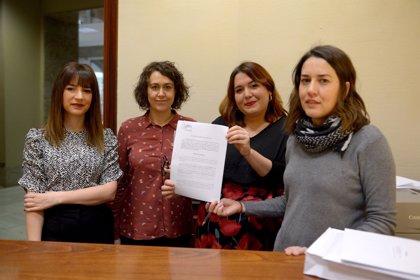 Unidos Podemos quiere que las cuidadoras de dependientes recuperen su cotización a la Seguridad Social