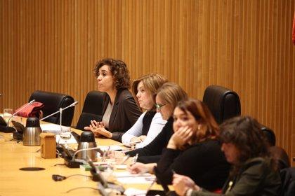 La oposición afea a Montserrat la falta de presupuesto y calendario para el Pacto de Violencia de Género