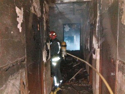 Dos personas atendidas por la inhalación de humo en el incendio de una vivienda de Molina de Segura