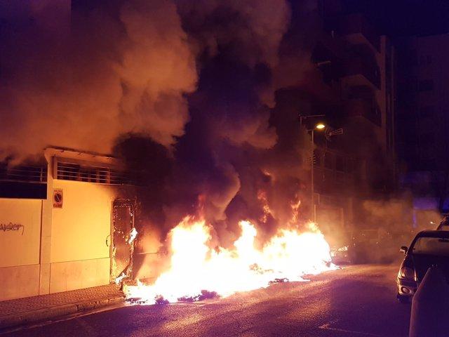 Incendio de contenedores en Ibiza