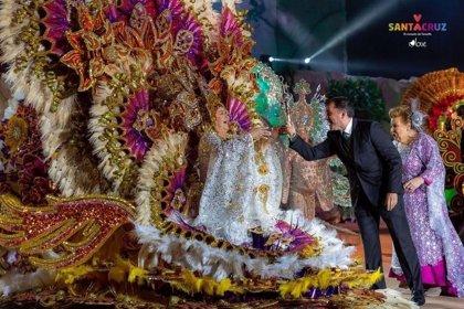 Marta Morales Paz, nueva Reina de los Mayores del Carnaval de Santa Cruz