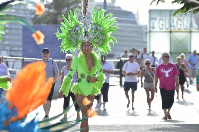 Cruceristas en Las Palmas de Gran Canaria durante el Carnaval
