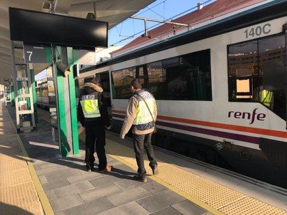 La Policía Nacional desarrolla una campaña de control en los transportes públicos de Navarra