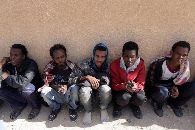 Inmigrantes africanos detenidos en Libia