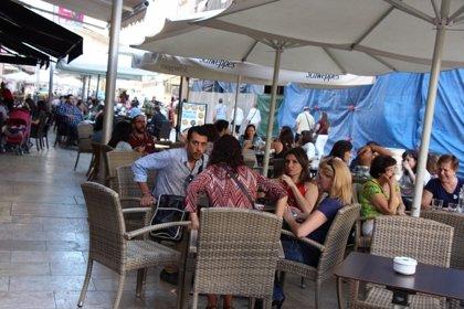 Canarias y Baleares analizarán la mejora de condiciones laborales en hostelería