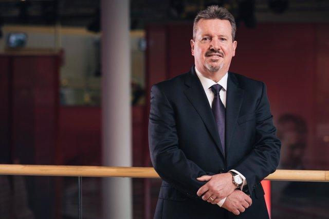 Dave Hazard, Vice President, EMEIA Channel & Sales Operation de Fujitsu
