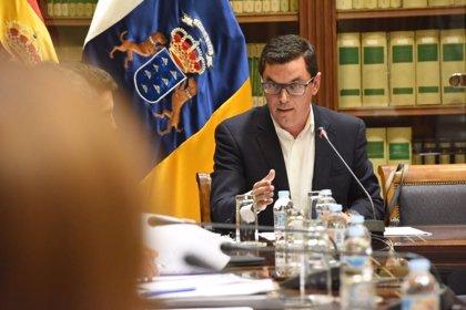 """Canarias tilda de """"colonial"""" el trato de Aena con Tenerife Sur y exige la apertura nocturna de Tenerife Norte"""
