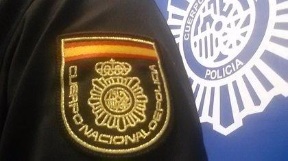 Detenidas tres personas de un grupo criminal tras asaltar con una escopeta a representantes de joyería en Sevilla