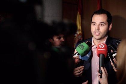 """Aguado dice que el acuerdo de investidura se ve """"afectado"""" por el rechazo del PP a su ley de mandatos"""