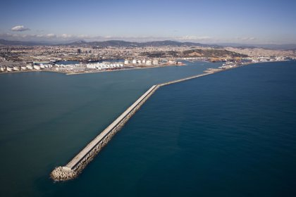 El Puerto de Barcelona adjudica a Comsa la mejora del calado del muelle Álvarez de la Campa