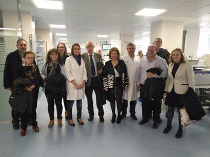 Asociaciones sanitarias jiennenses visitan el nuevo laboratorio del Complejo Hospitalario de Jaén