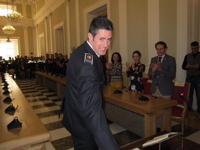 Benedicto Cacho toma posesión como jefe de la Policía Local de Cáceres