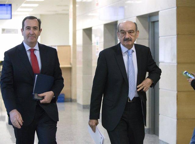 El consejero y el director de Vivienda presentan el decreto de ayudas al alquile