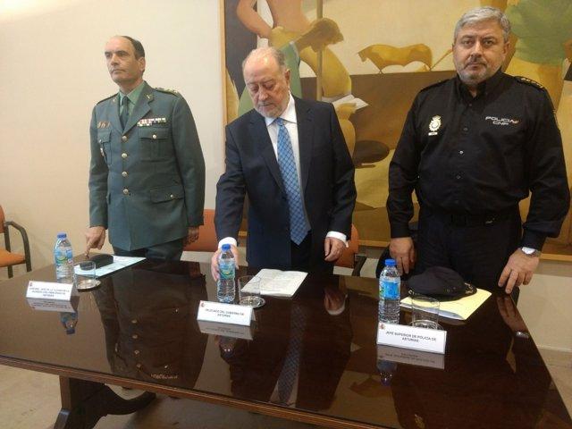 De Lorenzo presidiendo la reunión de coordinación.