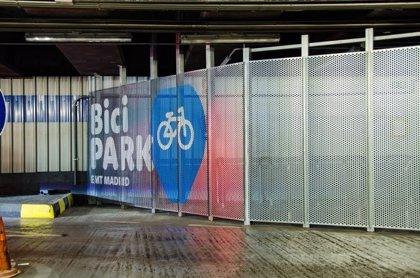 La EMT lanza un sistema de estacionamiento de bicis en su red de aparcamientos con abonos trimestrales de 43,5 euros
