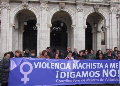 """La Coordinadora de Mujeres de Valladolid muestra la repulsa ante el caso de """"violencia de género"""" en Parquesol"""