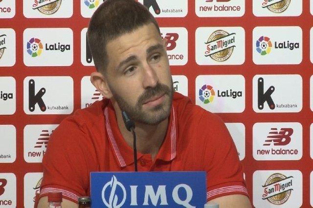 Yeray Álvarez en rueda de prensa