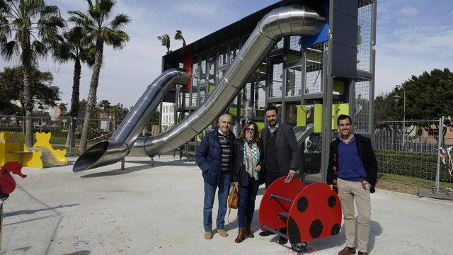Raúl Jiménez nuevos equipamientos infantiles en Parque Litoral