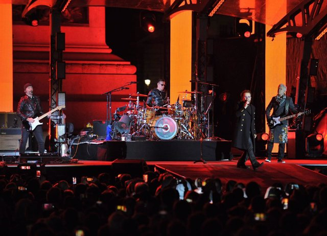 U2 perform in Trafalgar Square, London, ahead of the MTV Europe Music Awards.