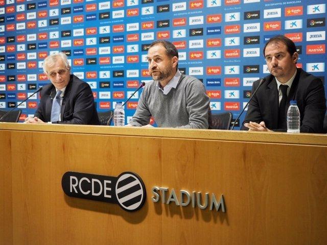Miembros del Espanyol repasan la situación del equipo