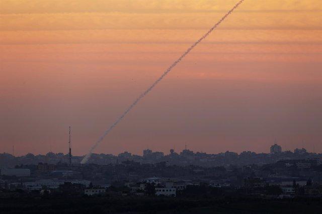 Lanzamiento de un cohete desde la Franja de Gaza en noviembre de 2012