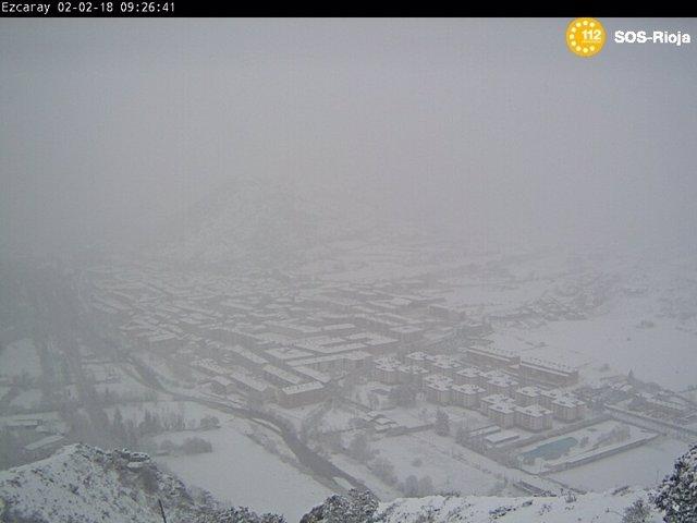 Imagen de Ezcaray nevado captada por la camara web