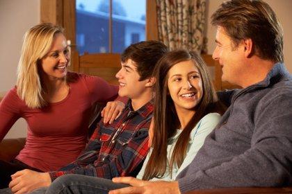 La familia es la clave para prevenir los riesgos en la adolescencia según la OMS