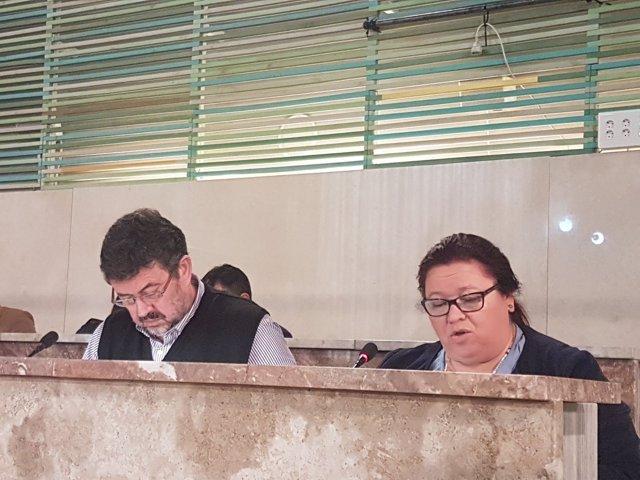 Rafael Esteban y Amalia Román (IU)
