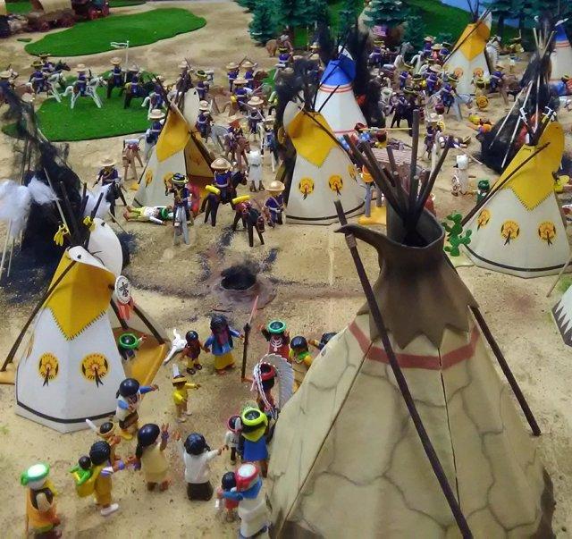Diorama con figuras de Playmobil