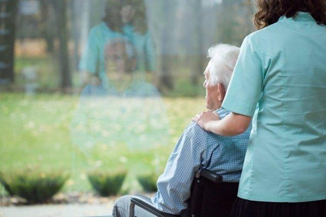 Residencia, anciano, silla ruedas