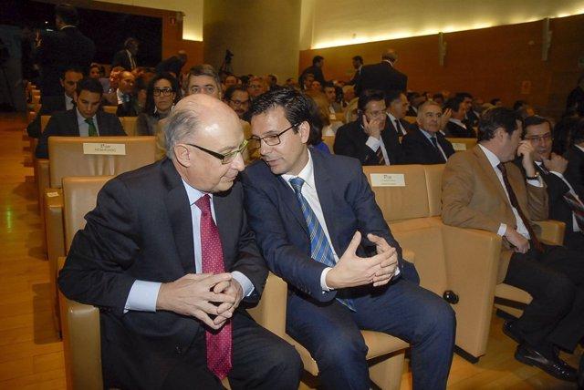 El ministro de Hacienda, Cristóbal Montoro, y el alcalde, Francisco Cuenca