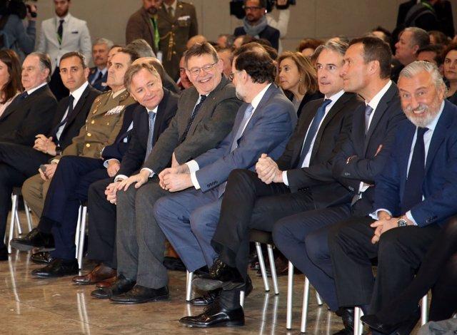 Ximo Puig y Mariano Rajoy en el aeropuerto de Alicante-Elche