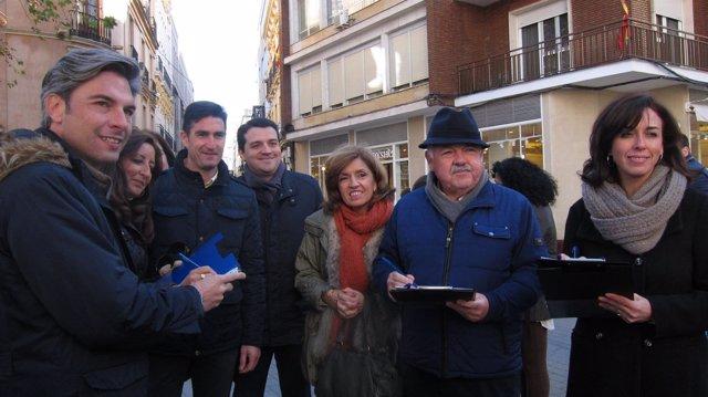 María Luisa Ceballos con José María Bellido, Andrés Lorite y otros cargos del PP