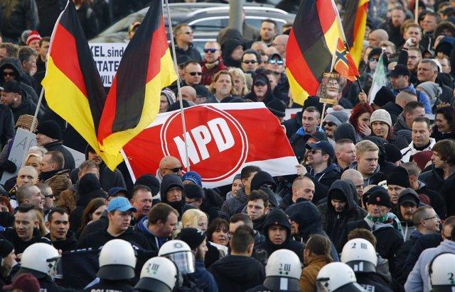 Partidarios del partido neonazi NPD en Alemania