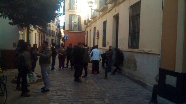 Movilización en la calle Macasta.