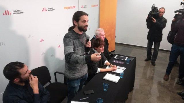 El diputado Gerard Gómez del Moral interviene ante la asamblea de ERC