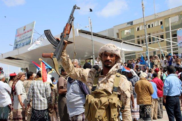 Combatiente separatista en Adén