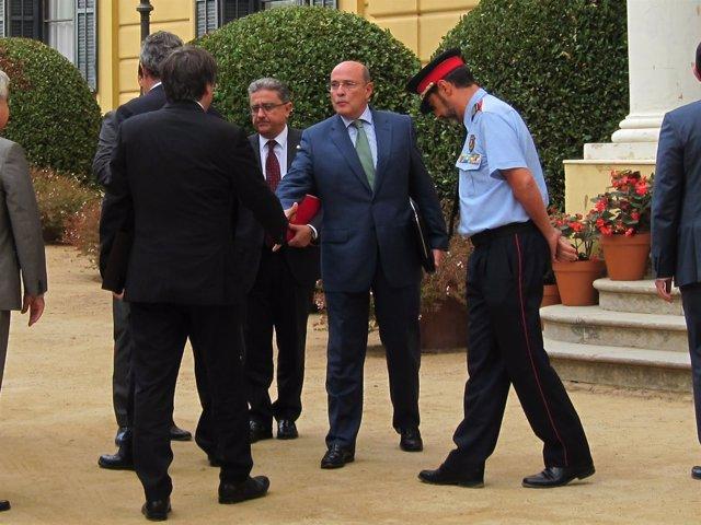 El coronel D.Pérez de los Cobos con C.Puigdemont, E.Millo y J.L.Trapero