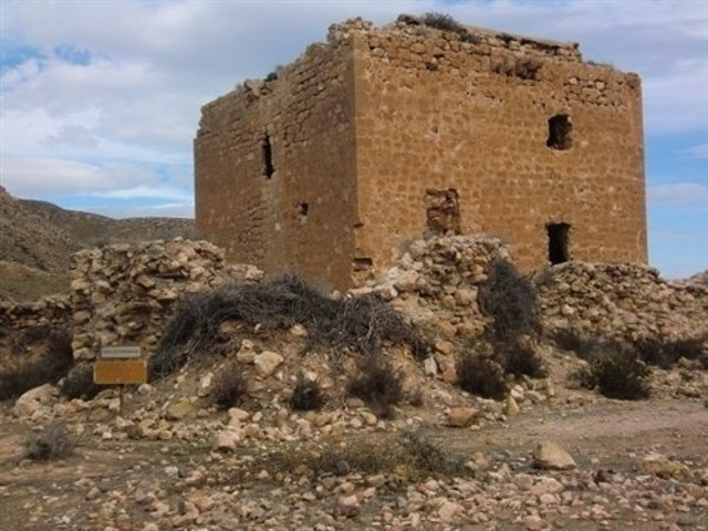 Torre de los Alumbres, en Rodalquilar