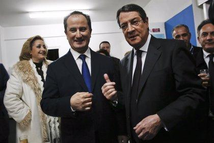 Grecia/Chipre- Anastasiades y Malas se disputan este domingo la Presidencia de Chipre con la paz en el horizonte