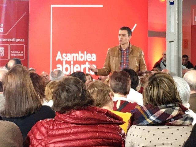 Valladolid.- Sánchez, durante su participación en asamblea abierta