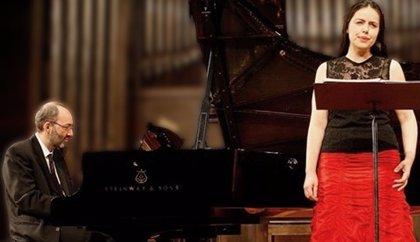 La soprano María Espada y el pianista Kennedy Moretti protagonizan un recital este martes en el MPM