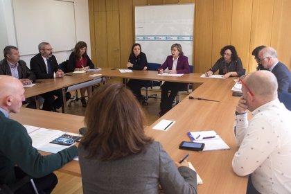 Pesca.-Rosa Quintana analiza con las Cofradías de pescadores los retos del sector pesquero de Galicia