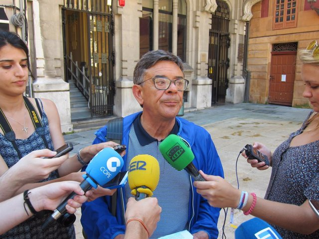 El concejal de Cultura y Festejos del Ayuntamiento de Oviedo, Roberto Sánchez Ra